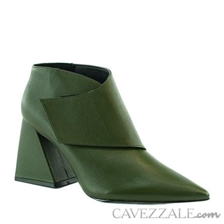 Ankle Boot de Couro Cavezzale Naturale Army 101993