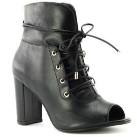 Ankle Boot Feminina Preto Em Couro Cavezzale 099208