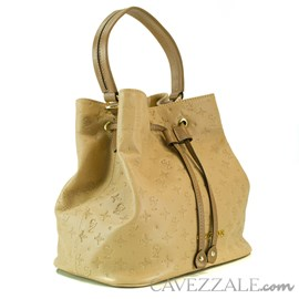 Bolsa Bucket de Couro Feminina Cavezzale Monograma Palha 102145
