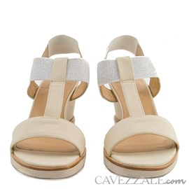 Sandália de Couro Creme Cavezzale Premium 0101440