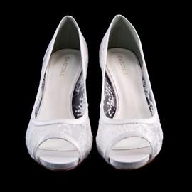 Sapato De Noiva Branco Com Renda Scarpin Cavezzale 097632